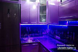 Самостоятельный ремонт кухни 8 кв.м и сборка гарнитура фиолетового цвета
