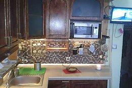 Кухня своими руками из массива сосны и столешницей из плитки за 70 (19 фото)
