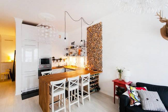 Стильная белая кухня 16 кв.м (10 фото)