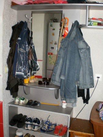 Узкая кухня 8 кв.м в частном доме (17 фото)