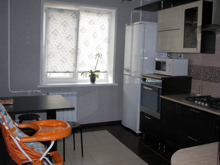 кухни с выходом на балкон интерьер фото