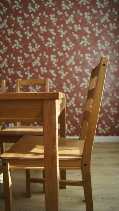 Дизайн белой прямой кухни-столовой 17 кв.м (10 фото)
