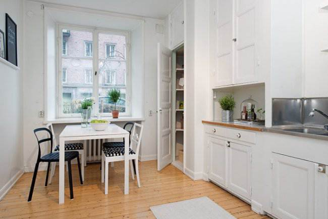 Дизайн прямой белой кухни в скандинавском стиле (5 фото)