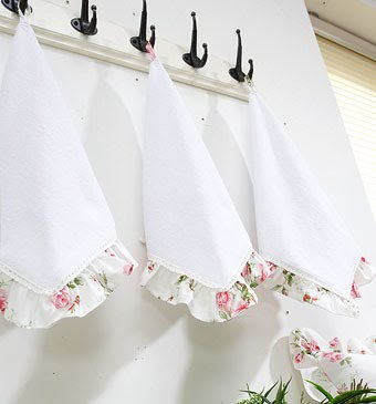 Текстиль в дизайне кухни в стиле Прованс (12 фото)