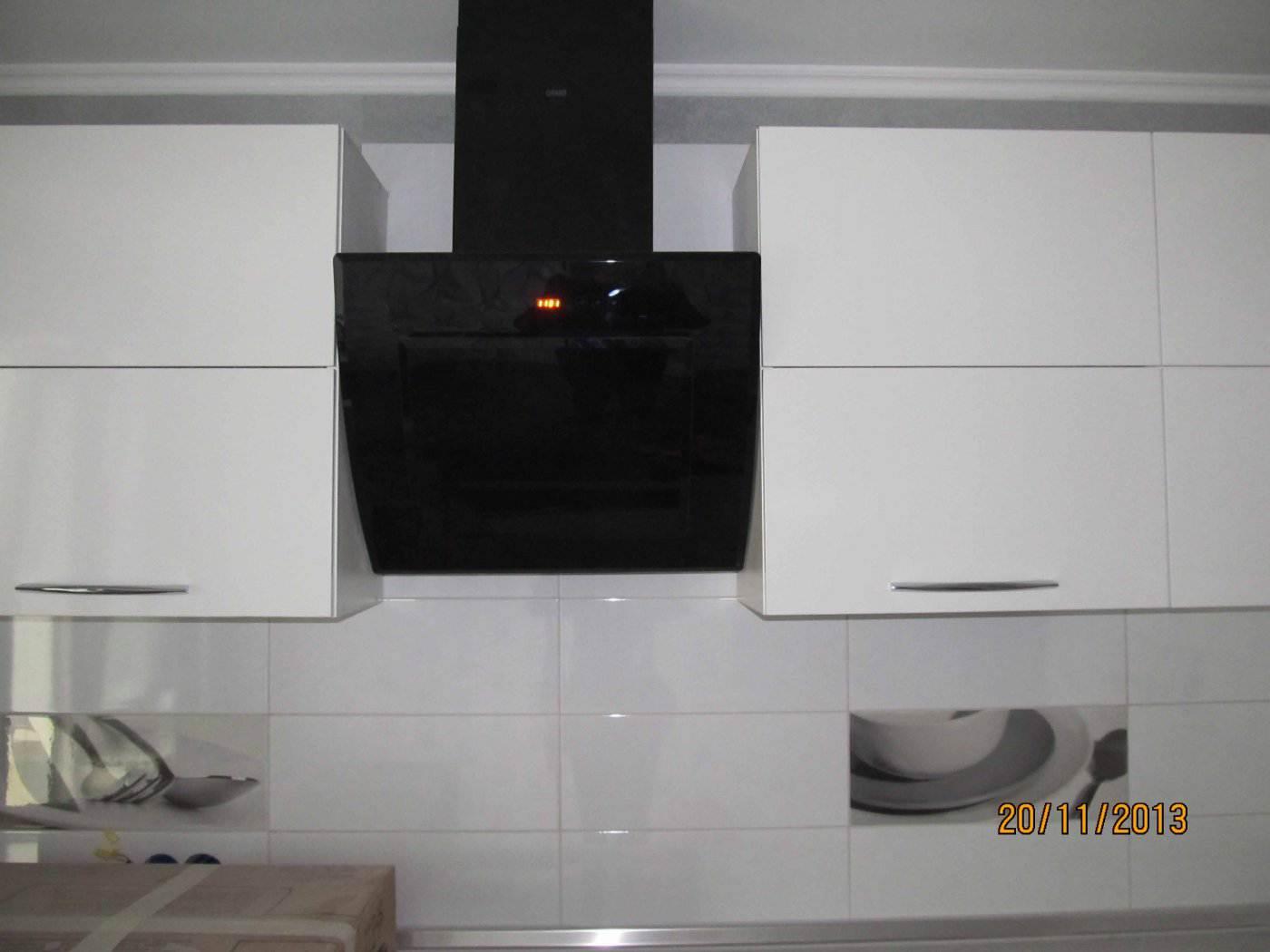 Кухня вытяжка фото в интерьере