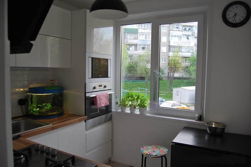 Дизайн белой Г-образной кухни 6 кв.м (13 фото): http://remont-volot.ru/111-dizayn-uglovoy-beloy-kuhni-6-kvm-13-foto.html