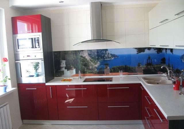 Дизайн угловой красной кухни 10 кв.м (9 фото)