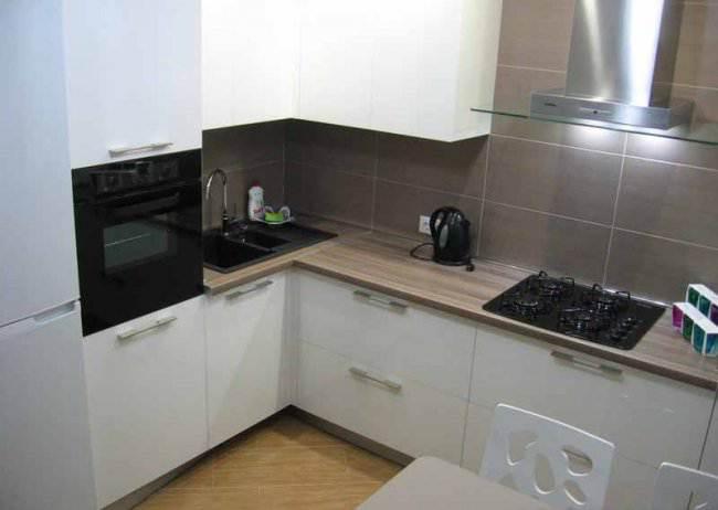 Дизайн угловой белой кухни 9 кв.м (10 фото)