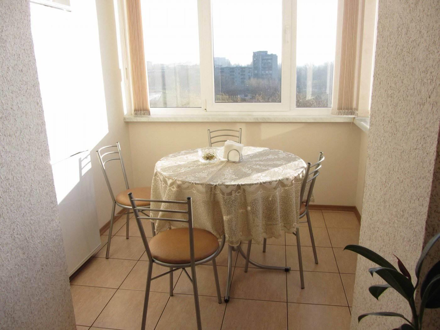 Столы для балконов и лоджий фото, видео, цены.