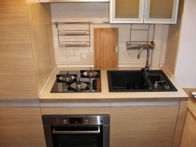 Дизайн прямой кухни в хрущевке (5 фото)