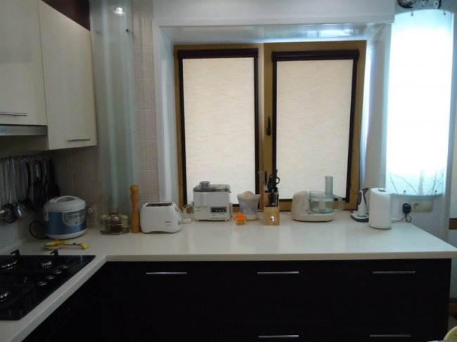 Дизайн угловой кухни 7 кв.м, совмещенной с гостиной (8 фото)