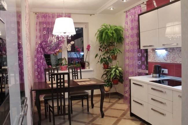 Дизайн параллельной белой кухни 12 кв.м (5 фото)