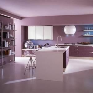 Одноцветная фиолетовая кухня