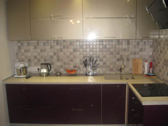 Угловая кухня ЗОВ из МДФ (7 фото)