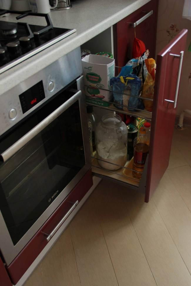 Угловая красная кухня от ЭлКомСтиль (14 фото)