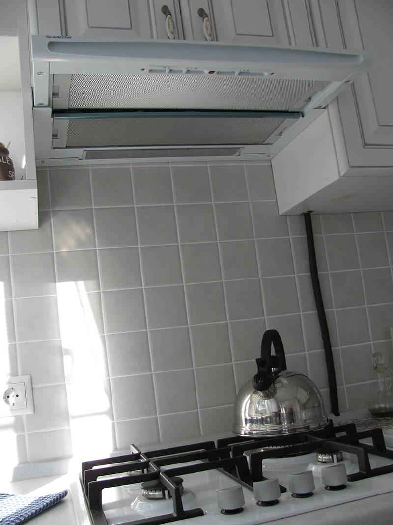 Как спрятать газовые трубы на кухне: фото удачных способов скрыть ... | 1067x800