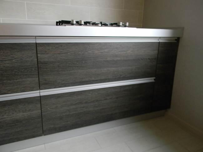 Кухня модерн 14 кв.м со встроенной техникой за 4500$