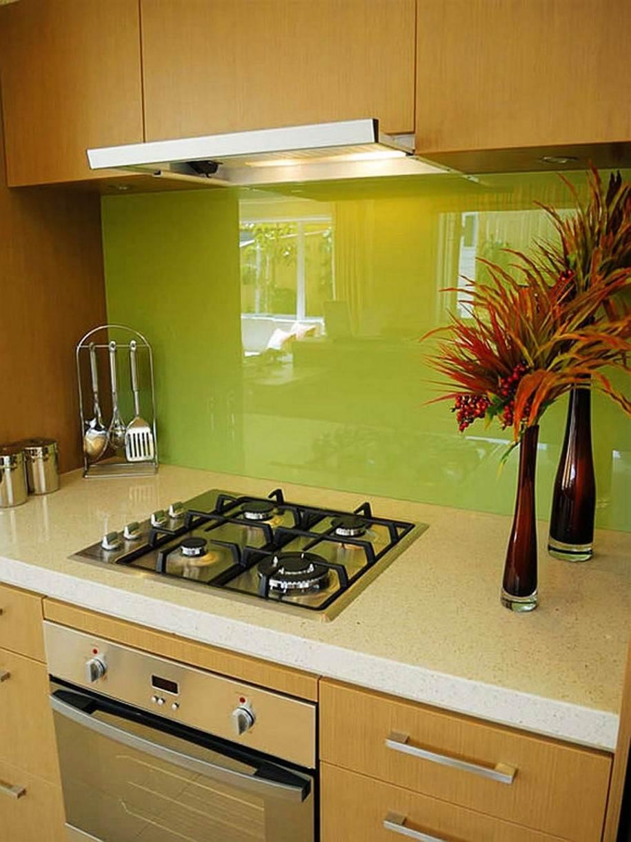 Дизайн кухонного фартука из плитки для угловой кухни
