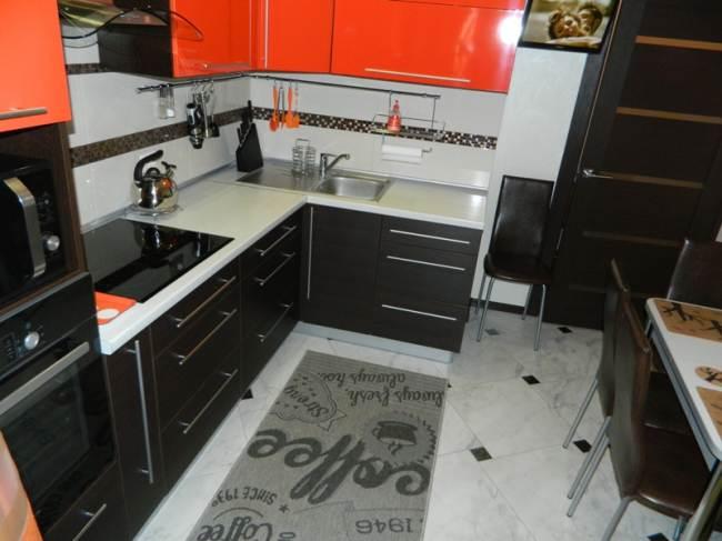 Кухня цвета венге с оранжевым 9 кв.м (12 фото)