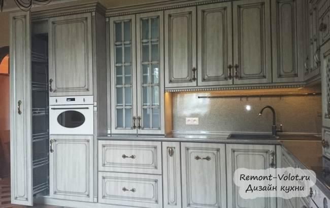Классическая кухня 14 кв.м под старину за 6000$ (12 фото)