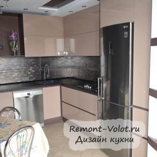 Дизайн бежевой современной кухни, объединенной с лоджией (23 фото)