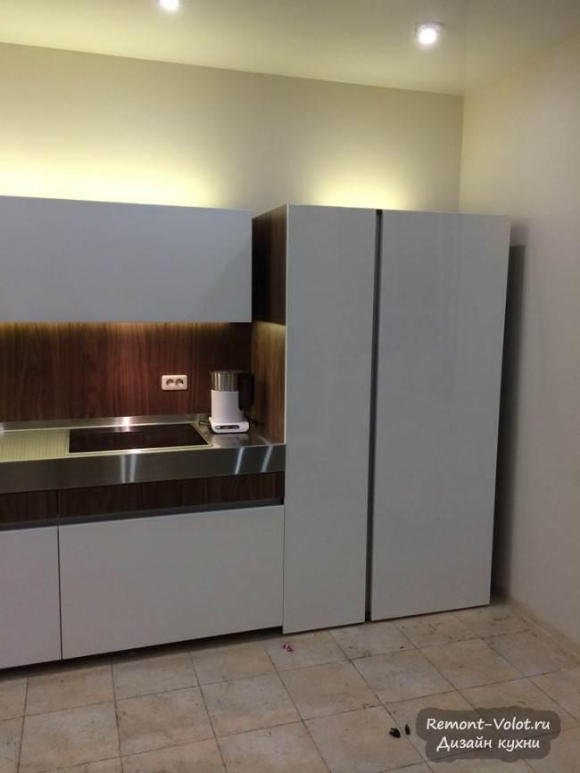 Дизайн белой кухни 18 кв.м в стиле минимализм
