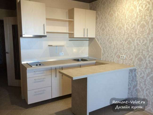 П-образная бежевая кухня-студия за 950$