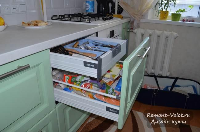 Скрытый ящик для столовых приборов