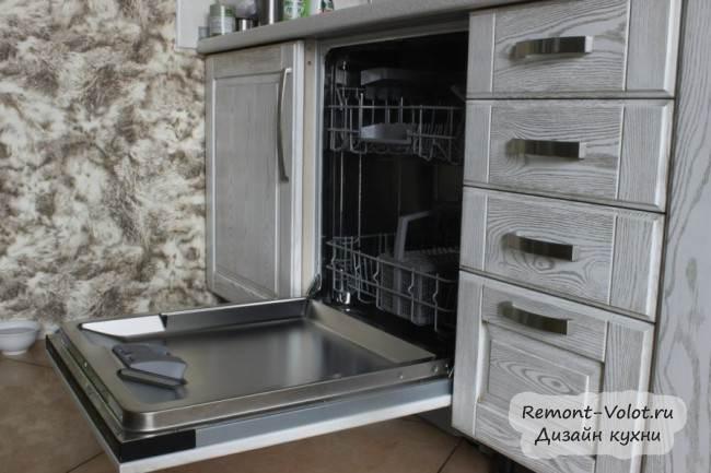 Дизайн белой патинированной кухни за 5000$