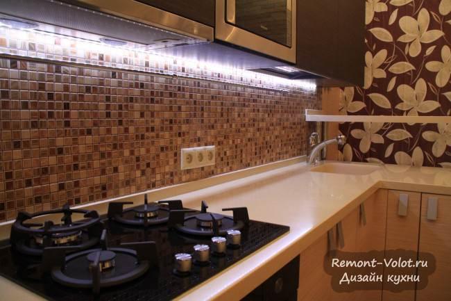 Дизайн П-образной кухни с барной стойкой за 8700$