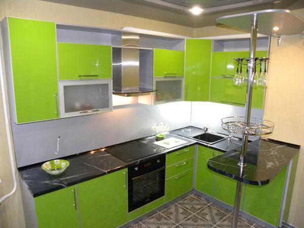 Кухни зеленого цвета в классическом стиле