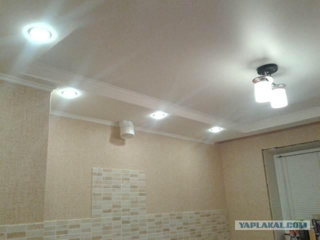 Потолок из гипсокартона с точечными светильниками