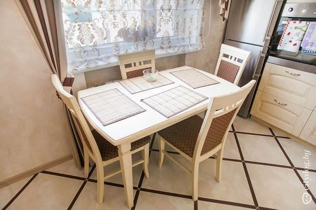 Классическая обеденная зона на кухне