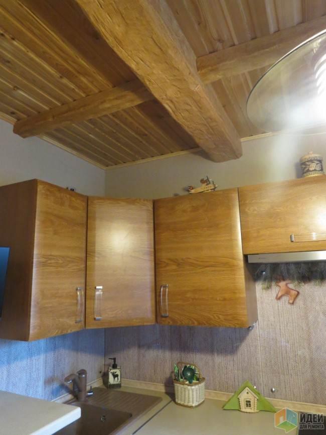 Потолочные балки на кухне