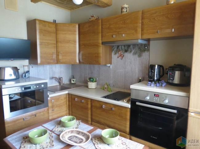 кухонный гарнитур для маленькой кухни 8 кв м фото