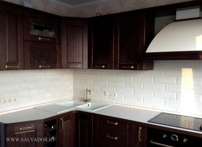 Дизайн угловой ретро кухни из массива в Минске