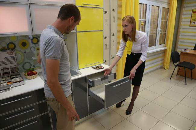 Желтая кухня для офиса в Перми: от заказа до установки