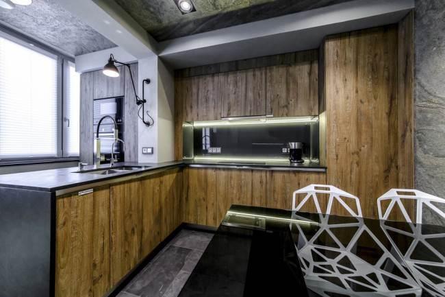 Дизайнерское оформление кухни-гостиной 22 кв.м с системой