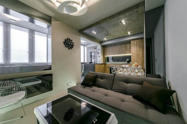 Мягкий диван в кухне-гостиной