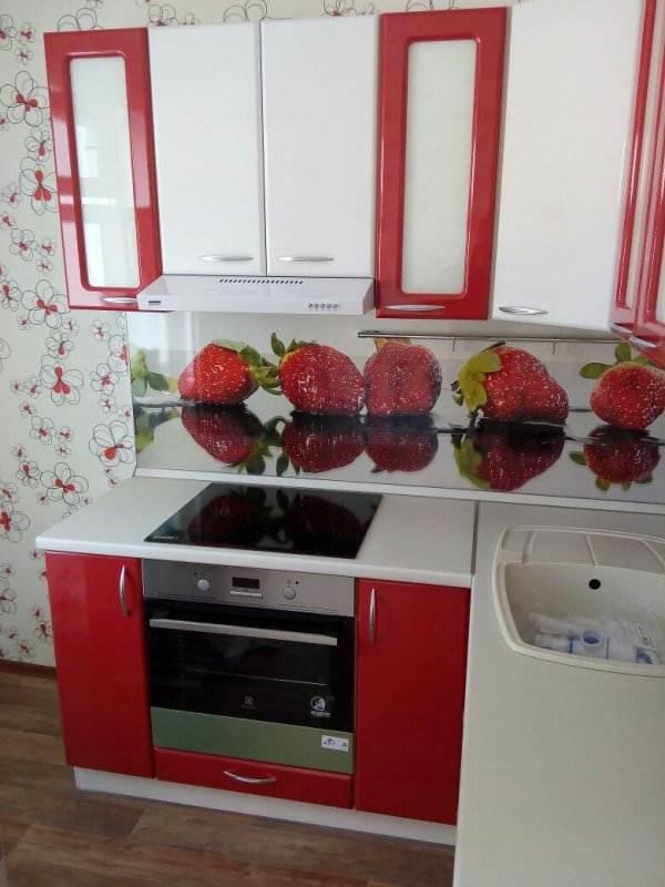 встроенные в стену холодильники фото