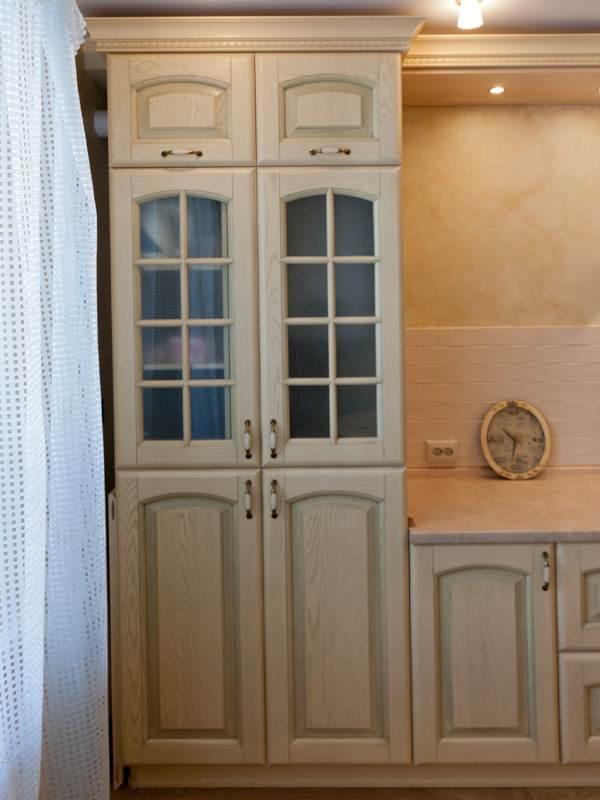 Шкаф с газовым котлом на кухне