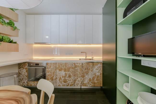 Кухня с фасадами без ручек