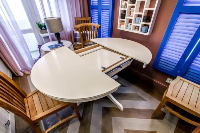Раздвижной стол-трансформер на кухне