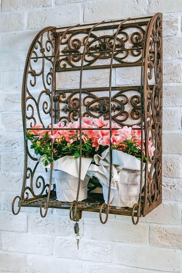 Кованная полка для цветов