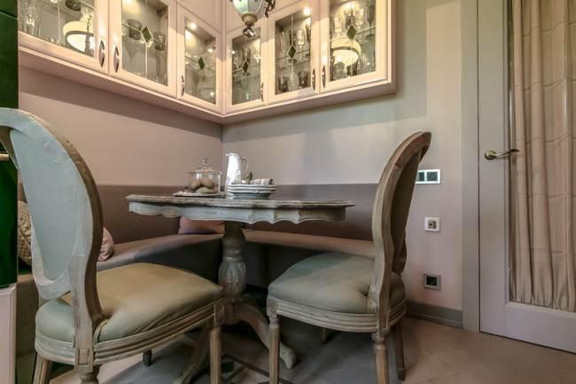 Винтажная мебель на кухне