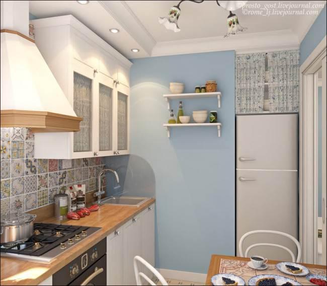 Холодильник, встроенный в нишу на кухне