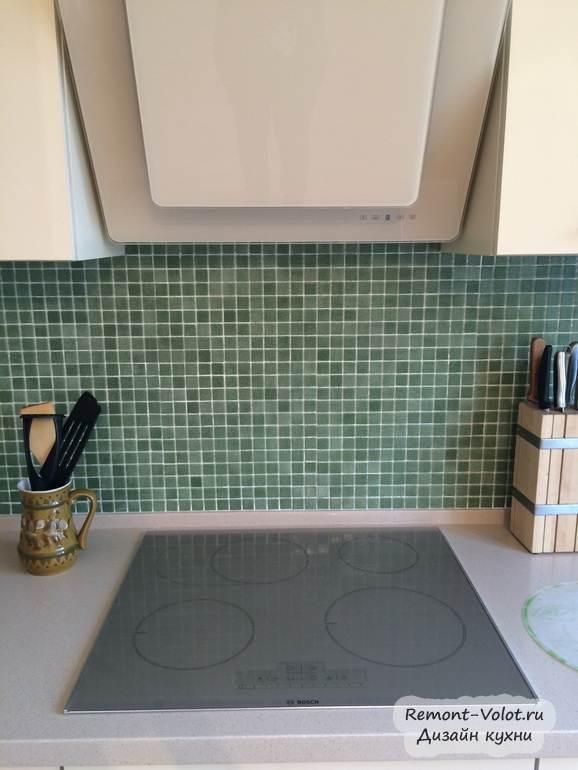 Зеленый фартук из мозаики