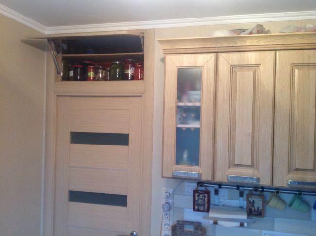 Окно между кухней и ванной в хрущевках. Зачем оно нужно и как заделать?
