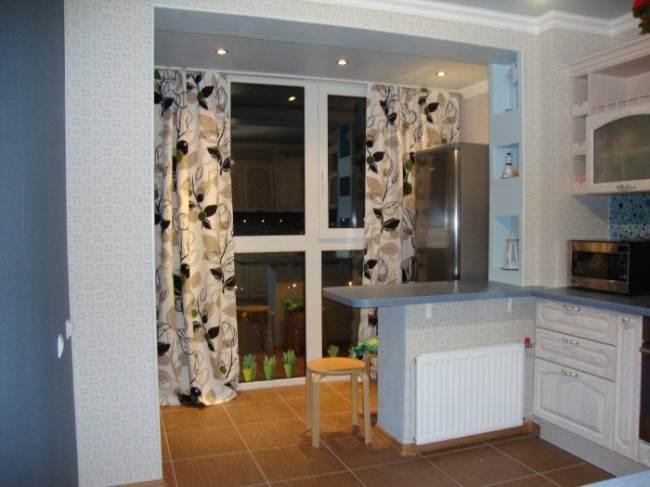 Кухня на балконе в квартире-студии. Примеры проектов