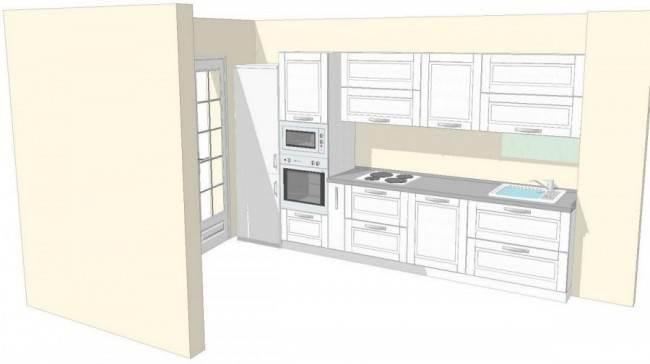 Дизайн белой кухни со средиземноморским фартуком. Дополнительная столешница под окном